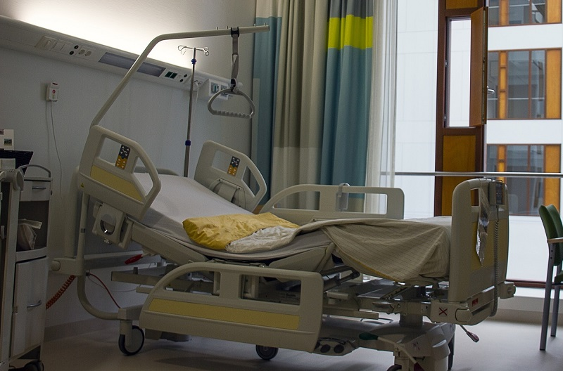 Bolniška postelja za okrevanje po operaciji